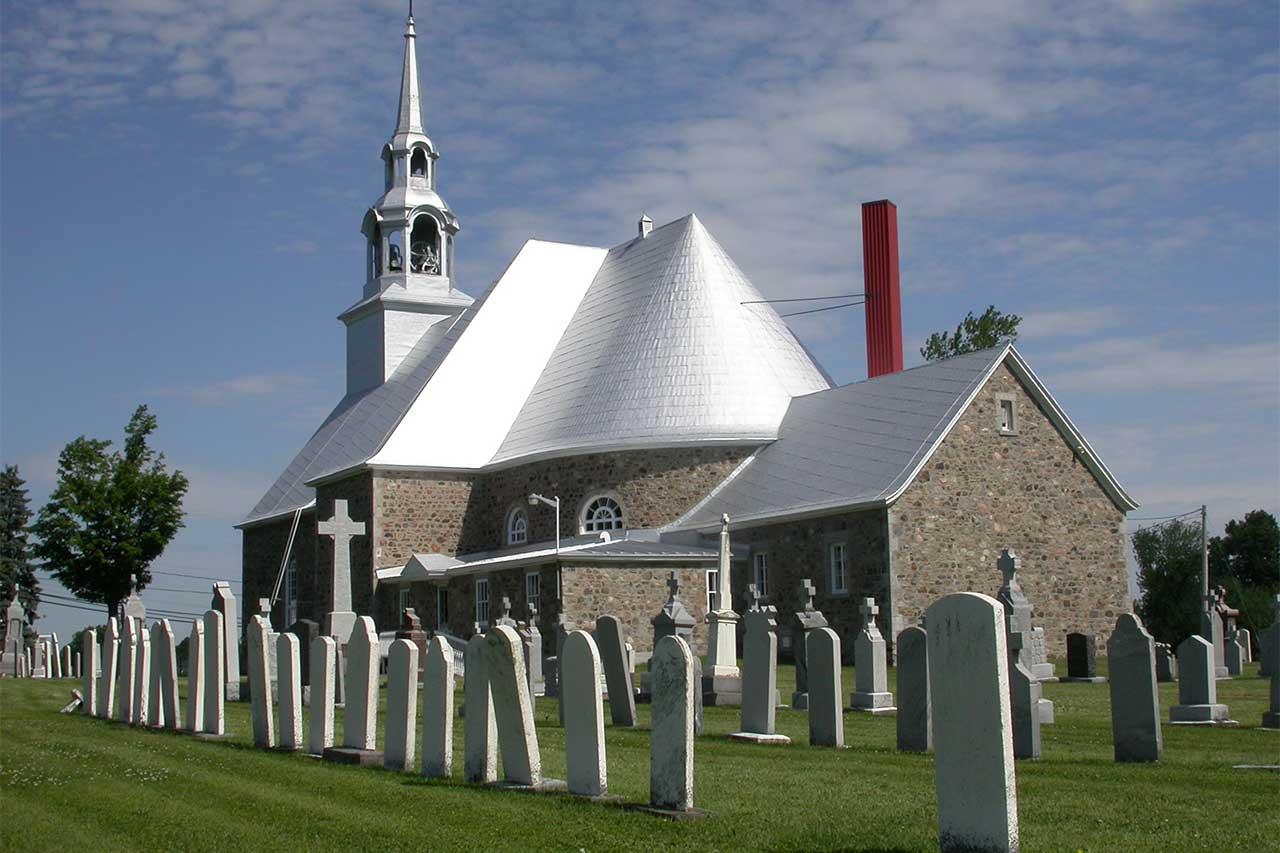 Église de Saint-Charles-sur-Richelieu et son cimetière attenant