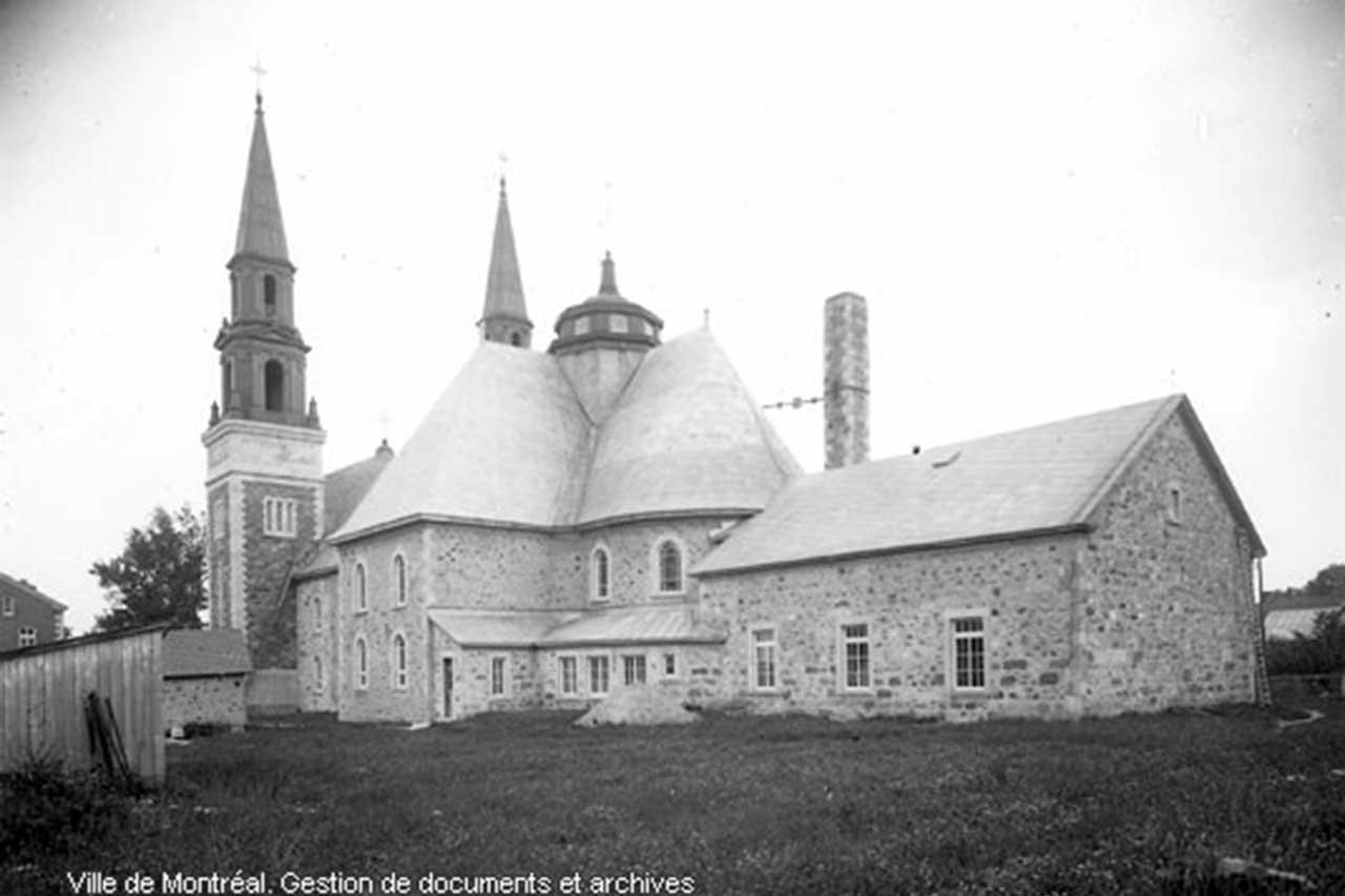 Ancienne photographie en noir et blanc de l'église de Saint-Denis-sur-Richelieu