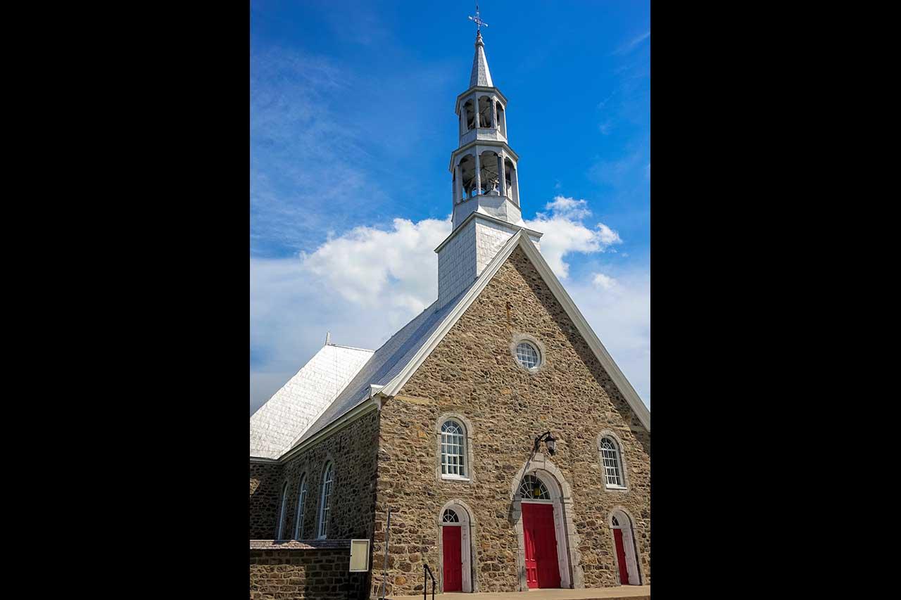 Église de Saint-Mathias-sur-Richelieu une journée d'été