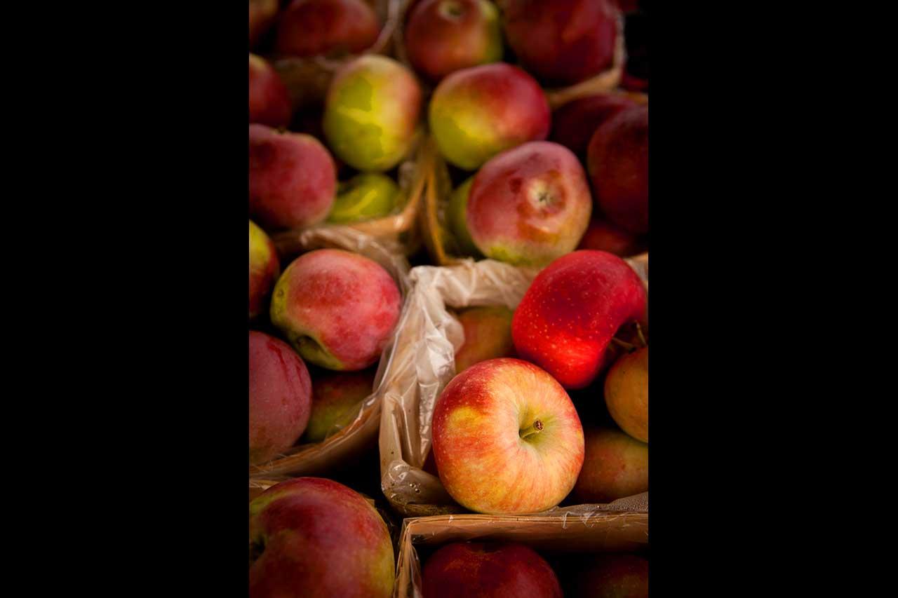 Paniers de pommes vus de dessus